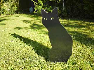 Black Metal wOw Garden Cat